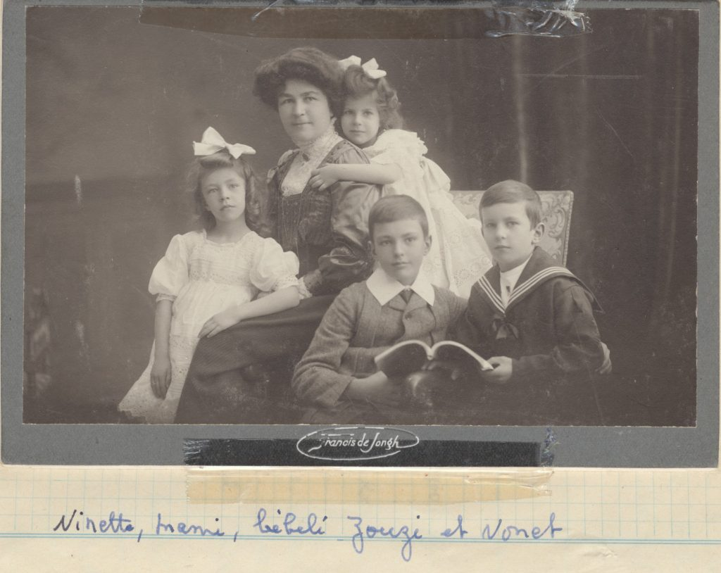 Louise Fornallaz and her children